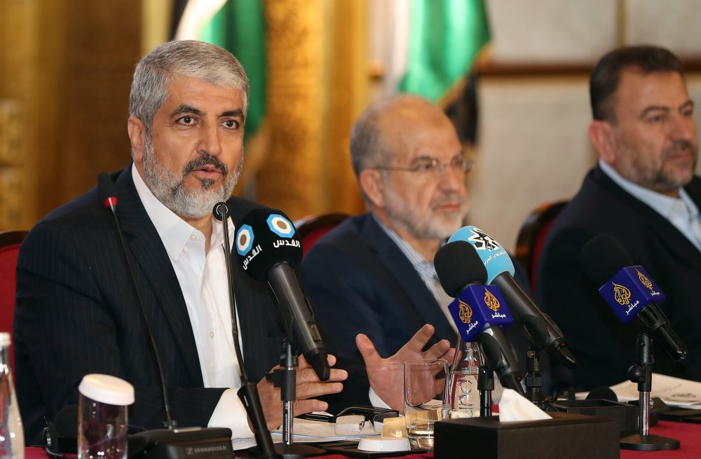 Hamas leader Khaled Mesha'al and other Politburo members launching the new document